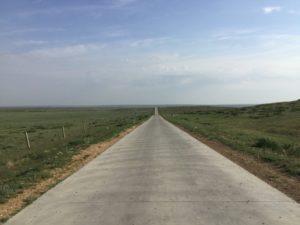 草原の道路